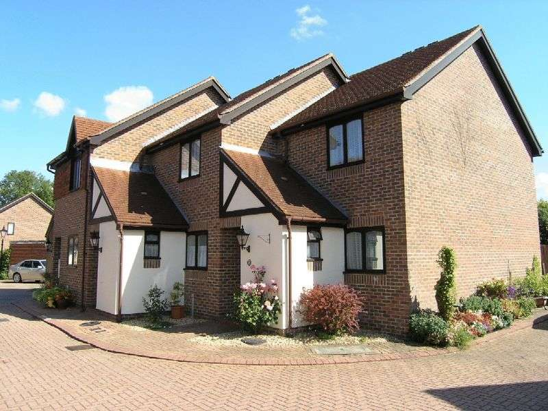 2 Bedrooms Retirement Property for sale in Onslow Mews, Chertsey, KT16 9HQ