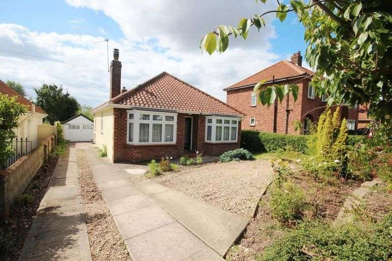 3 Bedrooms Detached Bungalow for sale in Thunder Lane, Norwich