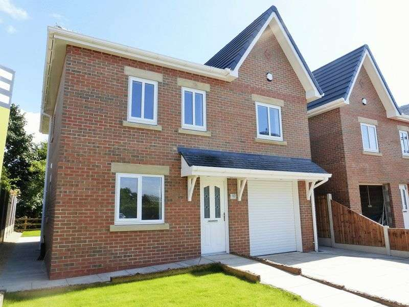 4 Bedrooms Detached House for sale in Carr Heyes Drive, Hesketh Bank, Preston