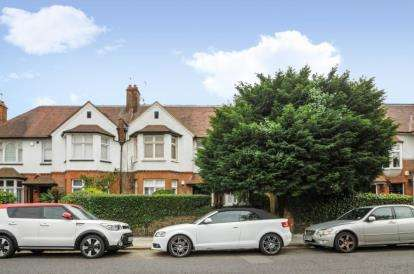 2 Bedrooms Flat for sale in Athenaeum Road, Whetstone