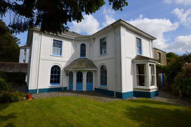 5 Bedrooms Detached House for sale in New Road, Liskeard, Cornwall