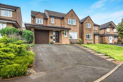 4 Bedrooms Detached House for sale in Rochester Drive, Burnley, Lancashire