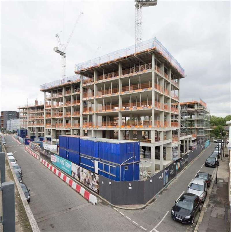 2 Bedrooms Property for sale in Sovereign Tower, Canning Town, London, E16