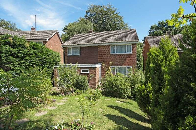 4 Bedrooms Detached House for sale in Fermor Way, Crowborough, East Sussex