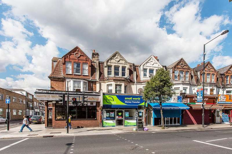 4 Bedrooms Flat for sale in Queens Parade, Green Lanes, London N8