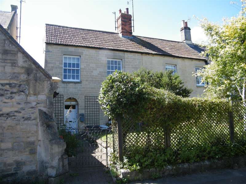 4 Bedrooms Property for sale in The Green, Calne