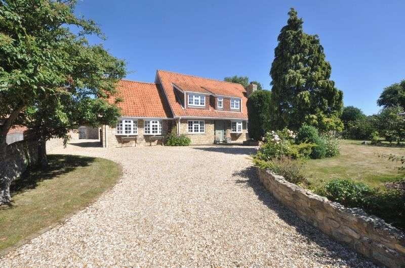 5 Bedrooms Detached House for sale in Hall Lane, Lincoln, Welbourn