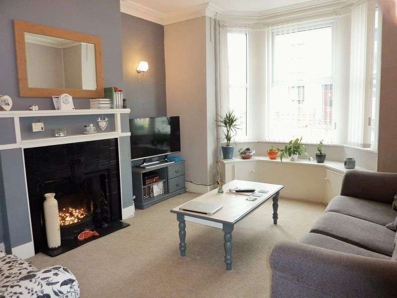 3 Bedrooms Terraced House for sale in Tithebarn Street, Caernarfon