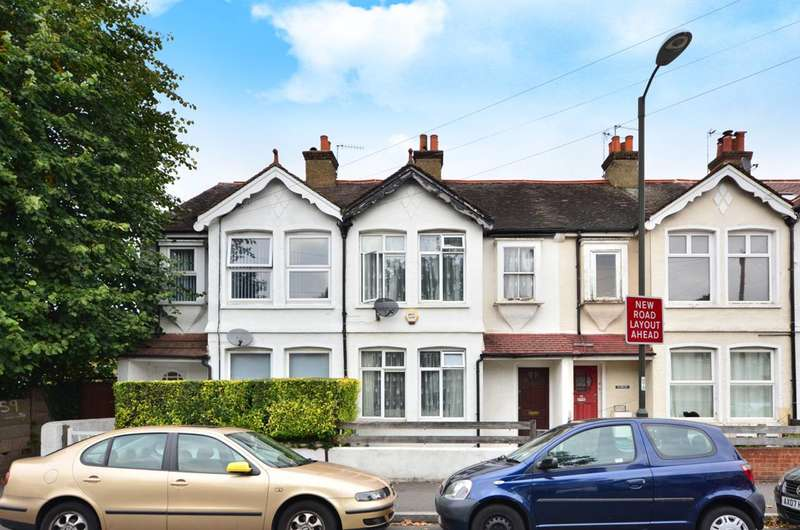 3 Bedrooms House for sale in St Marks Road, Mitcham, CR4