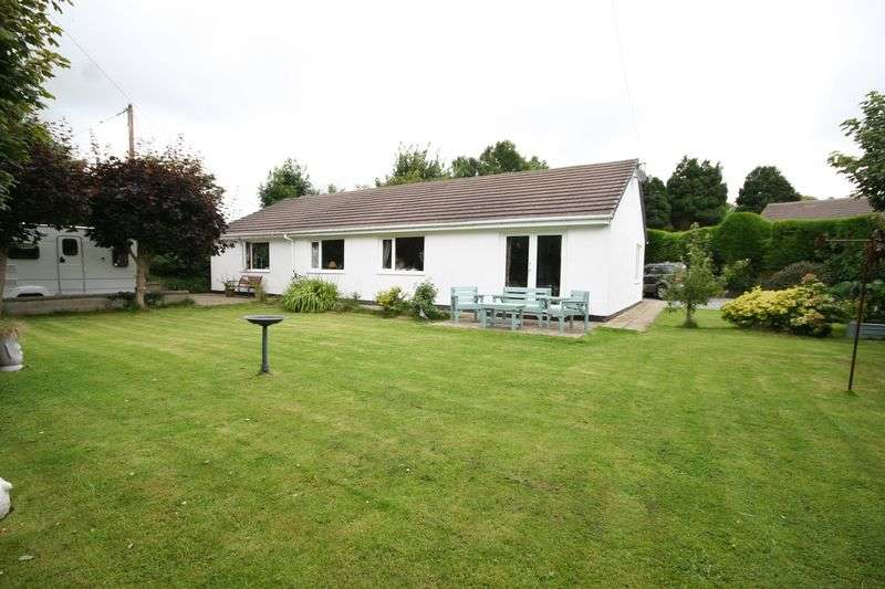 6 Bedrooms Detached Bungalow for sale in Gwalchmai, Anglesey