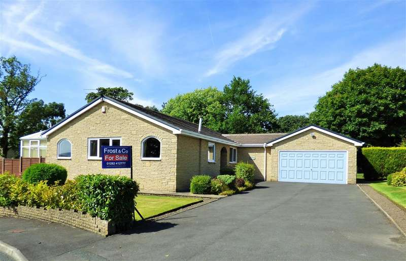 3 Bedrooms Detached Bungalow for sale in Eskdale Close, Reedley