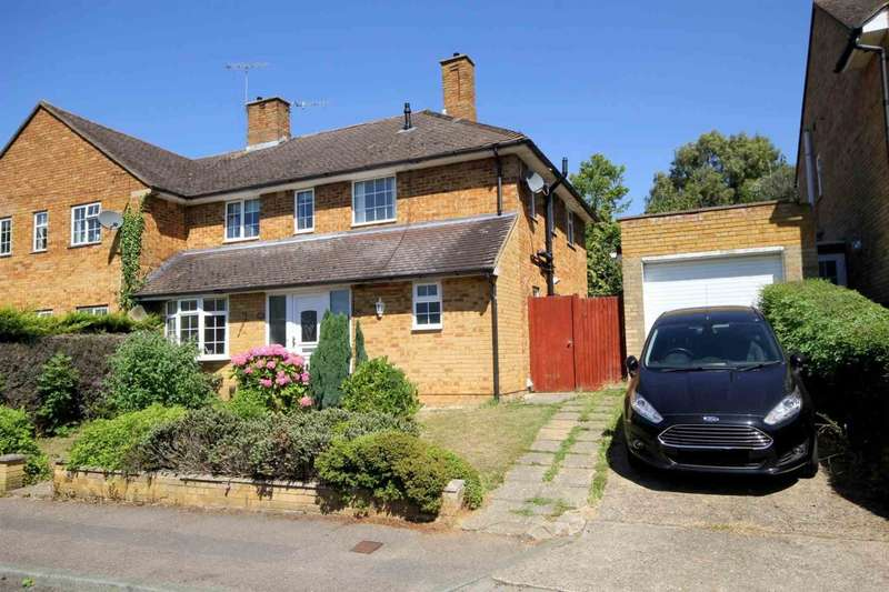 4 Bedrooms Semi Detached House for sale in 4 BED PROPERTY WITH GARAGE IN CHAULDEN, HP1, Lindlings, HH
