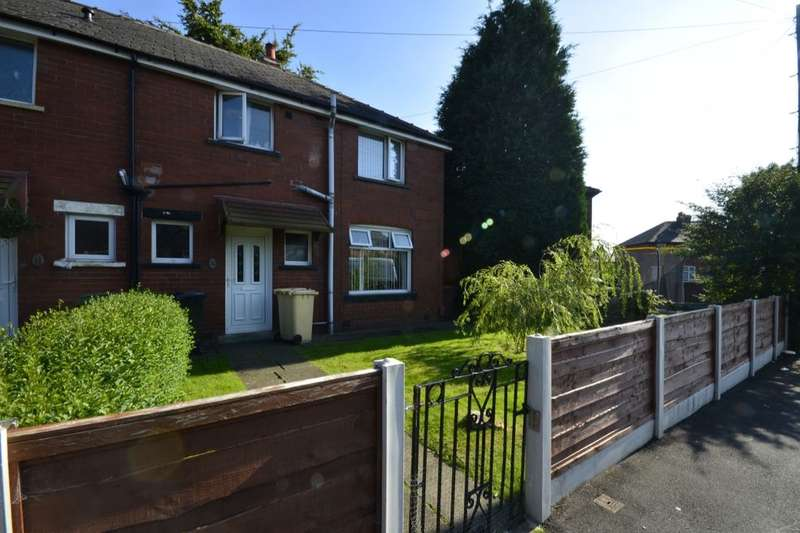 3 Bedrooms Semi Detached House for sale in Crescent Road, Kearsley, Bolton, BL4