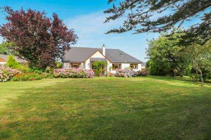 4 Bedrooms Bungalow for sale in Nr Bodmin, Cornwall