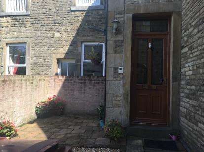 2 Bedrooms Flat for sale in Powell Street, Burnley, Lancashire, BB11