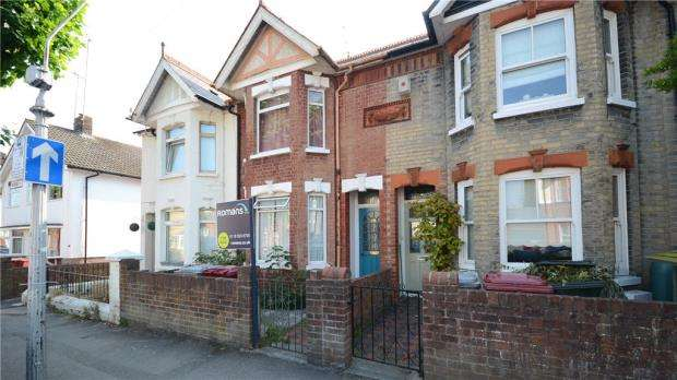 3 Bedrooms Terraced House for sale in Wantage Road, Reading