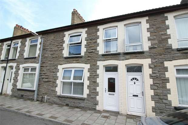 3 Bedrooms Terraced House for sale in William Street, Cwmfelinfach, Ynysddu, Caerphilly