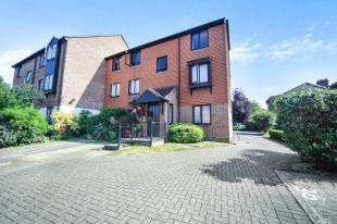 2 Bedrooms Flat for sale in Chelsea Gardens, Sutton