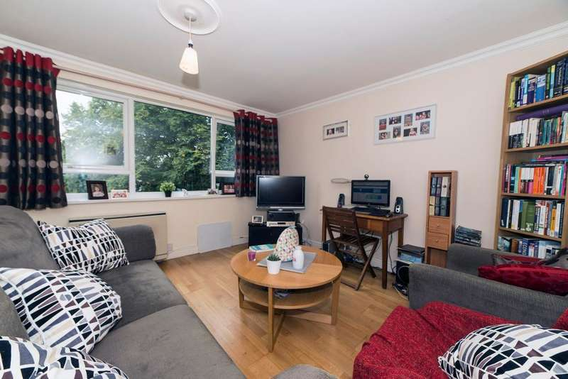 3 Bedrooms Flat for sale in Burnage Avenue, Manchester, M19 2JB