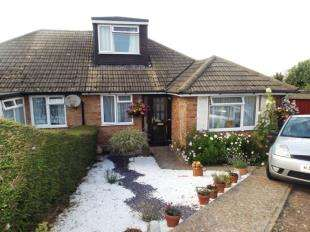 3 Bedrooms Bungalow for sale in Lee Way, Newhaven, East Sussex