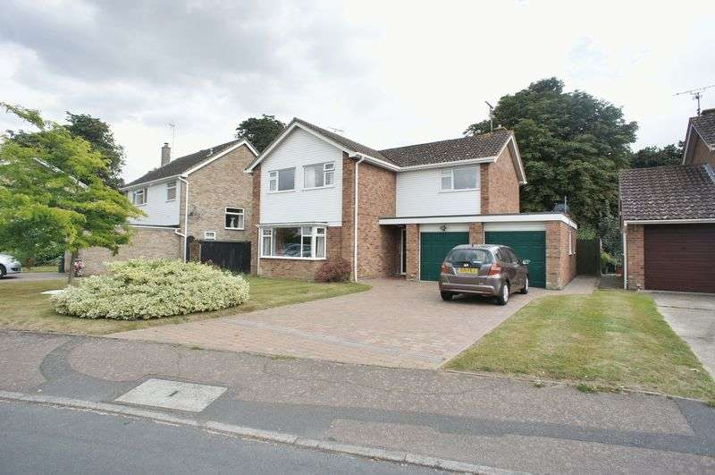 4 Bedrooms Detached House for sale in Manor House Way, BRIGHTLINGSEA, Colchester