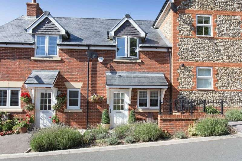 2 Bedrooms Terraced House for sale in Malthouse Way, Horndean