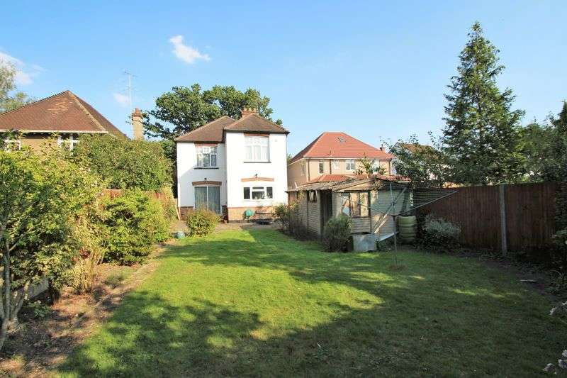 4 Bedrooms Detached House for sale in Headstone Lane, North Harrow