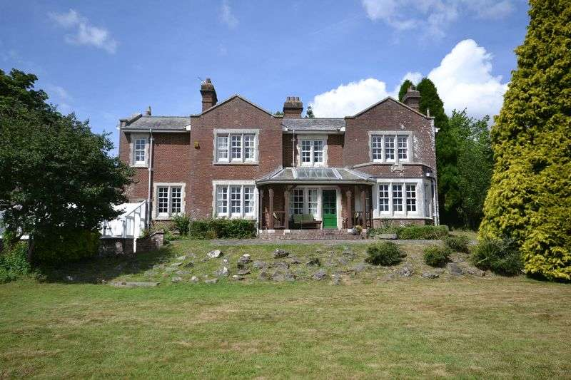 5 Bedrooms Detached House for sale in SEALE HAYNE