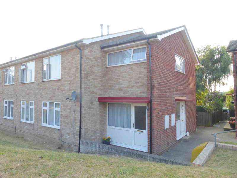 2 Bedrooms Apartment Flat for sale in Mead Way, Bushey