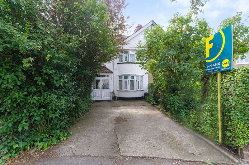 3 Bedrooms House for sale in Adderley Road, Harrow Weald, HA3