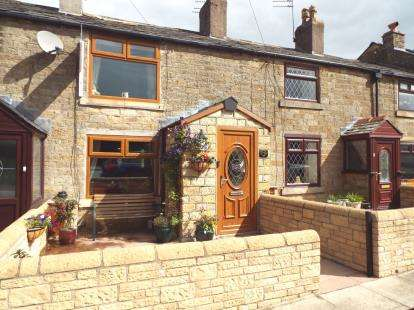 2 Bedrooms Terraced House for sale in Bury & Rochdale Old Road, Heywood, Greater Manchester, OL10