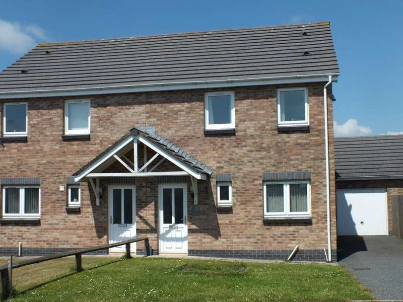 3 Bedrooms Semi Detached House for sale in Skomer Drive, Milford Haven, Pembrokeshire
