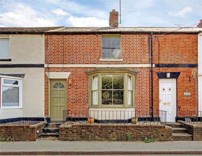 3 Bedrooms Terraced House for sale in High Street, Pewsey, Wiltshire, SN9