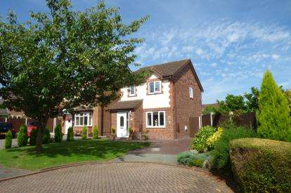 3 Bedrooms Detached House for sale in Matlock Close, Great Sankey, Warrington, Cheshire