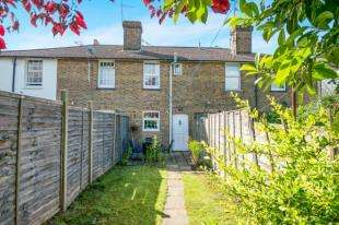 2 Bedrooms Terraced House for sale in Ospringe Road, Faversham, Kent