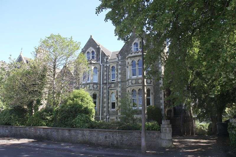 1 Bedroom Flat for sale in Princes Road, Clevedon