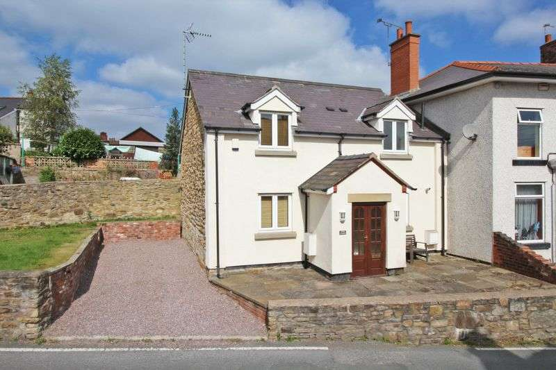 3 Bedrooms House for sale in Aberderfyn Road, Wrexham