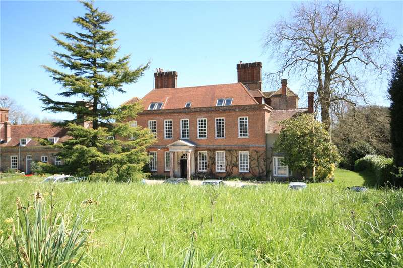 3 Bedrooms Flat for sale in Binderton House, Binderton, Chichester, West Sussex, PO18