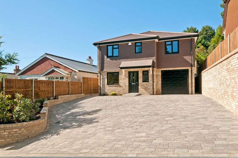 4 Bedrooms Detached House for sale in Romford Road, Pembury, Tunbridge Wells, Kent, TN2