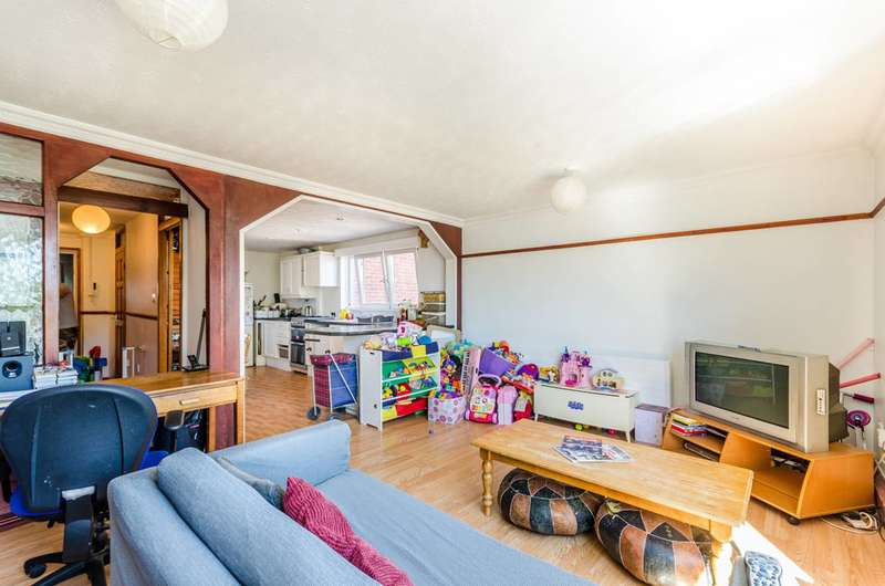 3 Bedrooms Maisonette Flat for sale in Abbott Road, Poplar, E14