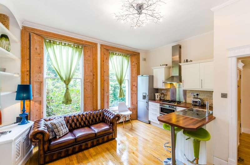 2 Bedrooms Flat for sale in Camden Road, Camden Town, NW1