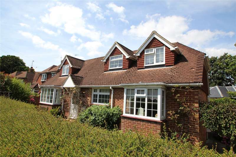 4 Bedrooms Detached House for sale in Priory Close, Tarring, Worthing, BN14