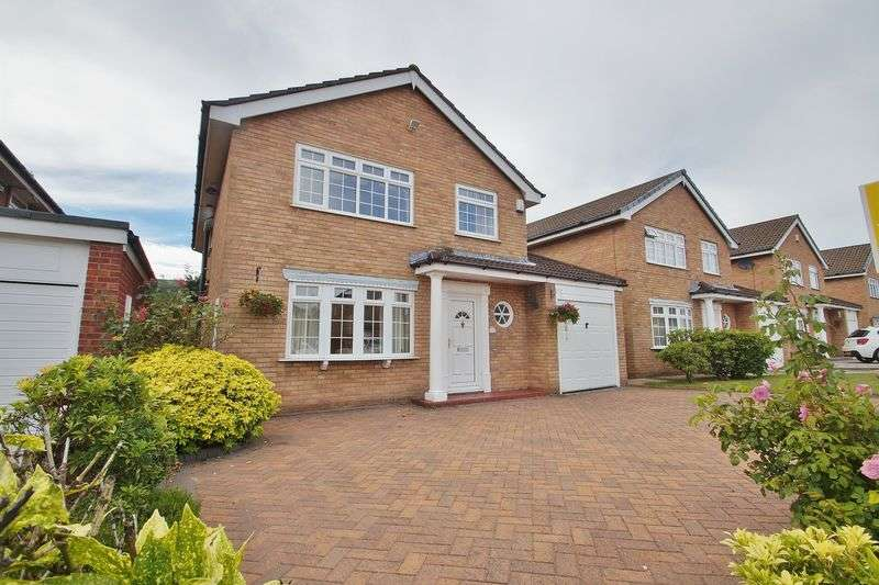 4 Bedrooms Detached House for sale in Farm Close, Southport
