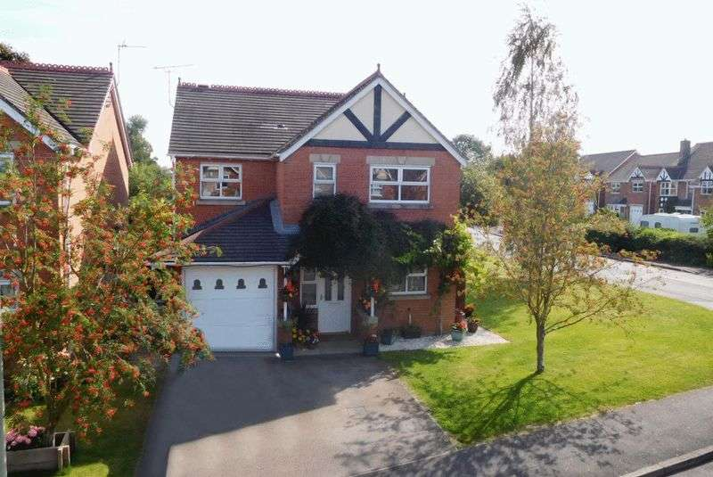 4 Bedrooms Detached House for sale in Stuart Way, Market Drayton