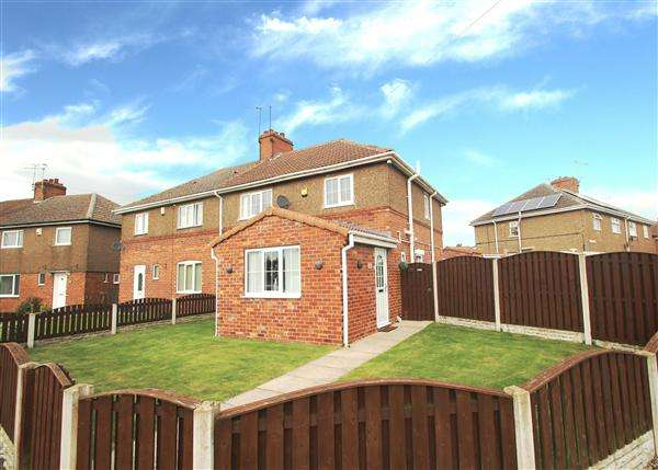 3 Bedrooms Semi Detached House for sale in Wrangbrook Road, Upton