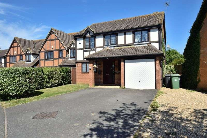 4 Bedrooms Detached House for sale in Rose Walk, Toddington