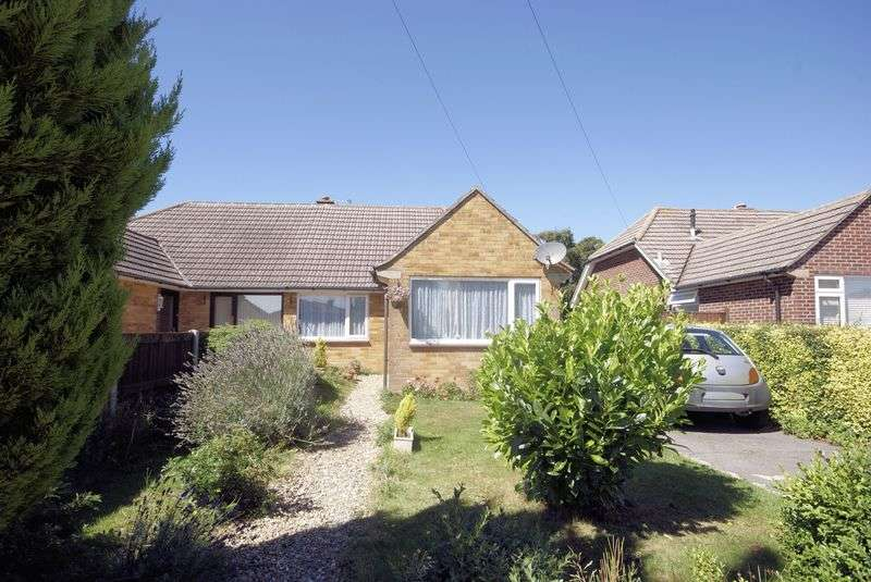 3 Bedrooms Semi Detached Bungalow for sale in Cottes Way, Hill Head, PO14