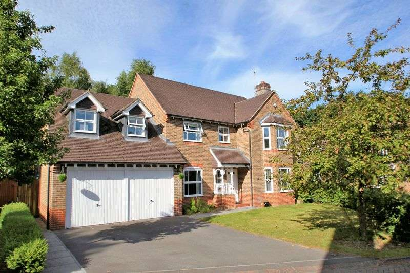 4 Bedrooms Detached House for sale in Casterbridge Road, Ferndown