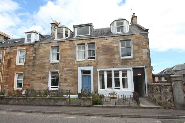 3 Bedrooms Flat for sale in Rodger Street, Cellardyke, Anstruther, Fife, KY10 3HU