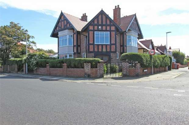 4 Bedrooms Detached House for sale in Seventh Avenue, Blackpool, Lancashire